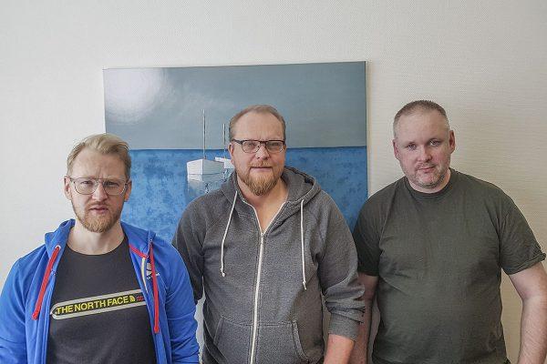 Keski-Suomen Kalatalouskeskuksen kalastusbiologi Matti Havumäki, toiminnanjohtaja Timo Meronen ja kalastusbiologi Saku Salonen.